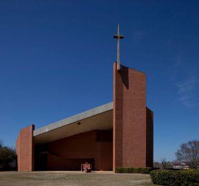 Rudolph_Tuskegee_Chapel_exterior.jpg